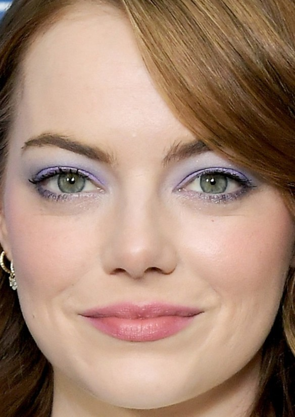emma-stone-vanity-fair-and-barneys-new-york-dinner-for-la-la-land-2017-close-up